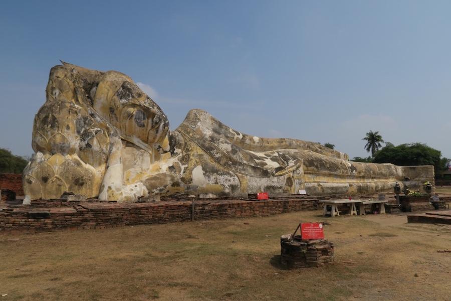 Liggende boeddha Wat Lokayasutharam