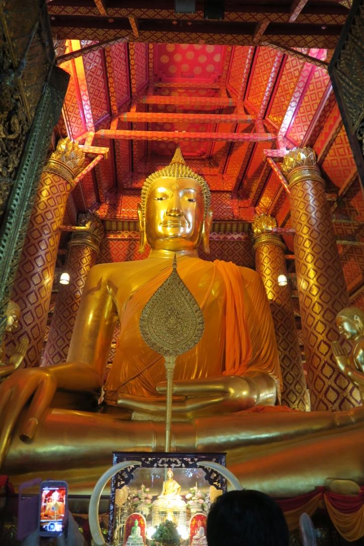 Gouden boeddha Wat Na Phra Meru