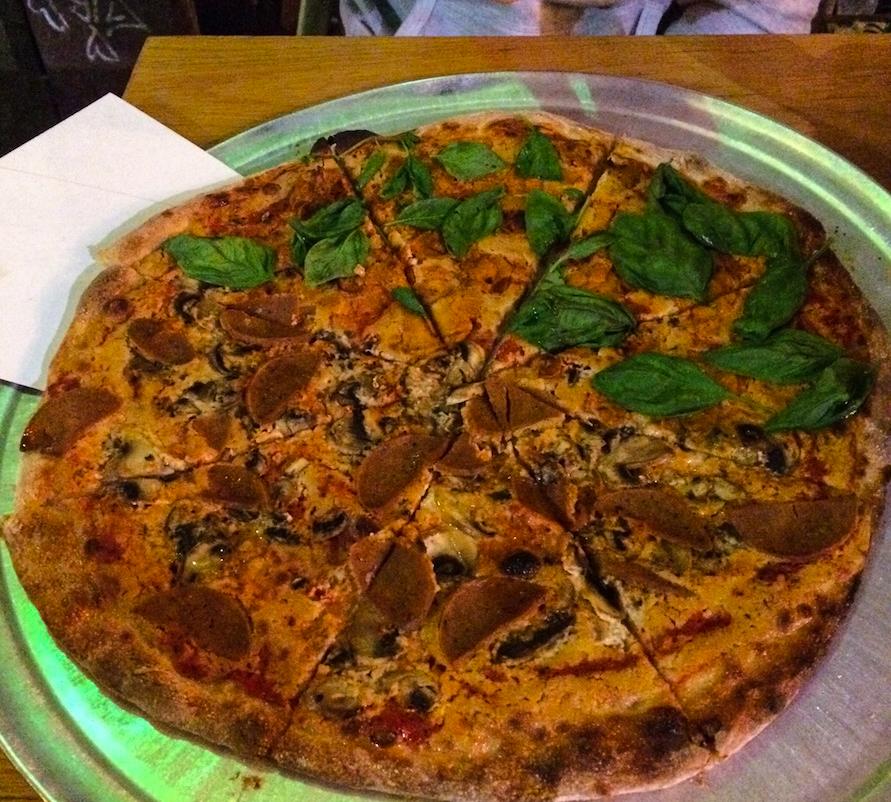 Vegan pizza The Green Cat Tel Aviv