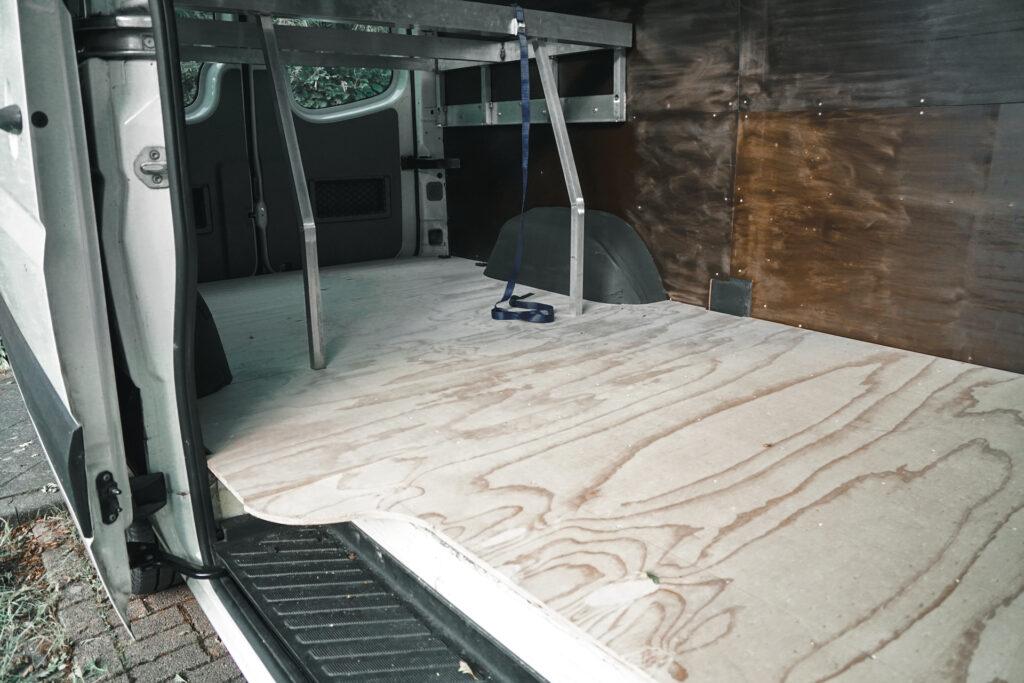 Houten ondervloer camper