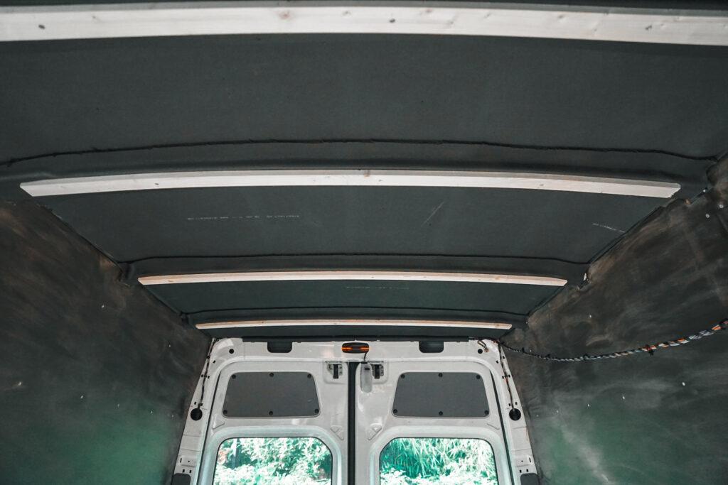 Plafond isoleren camper