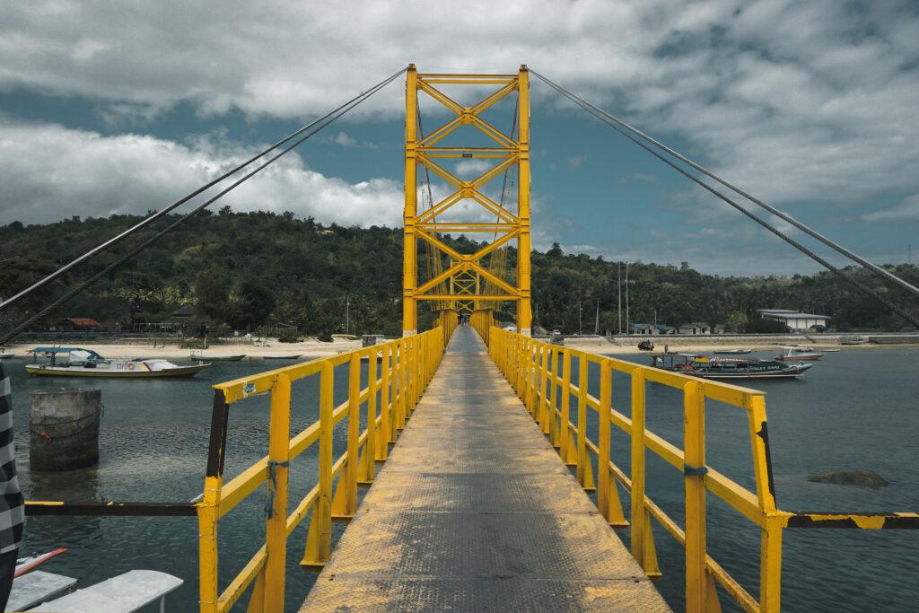 Gele brug Nusa Lembongan